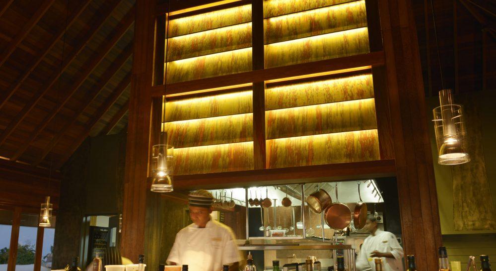 3cHuvafen Fushi Feeling Koi Open Kitchen