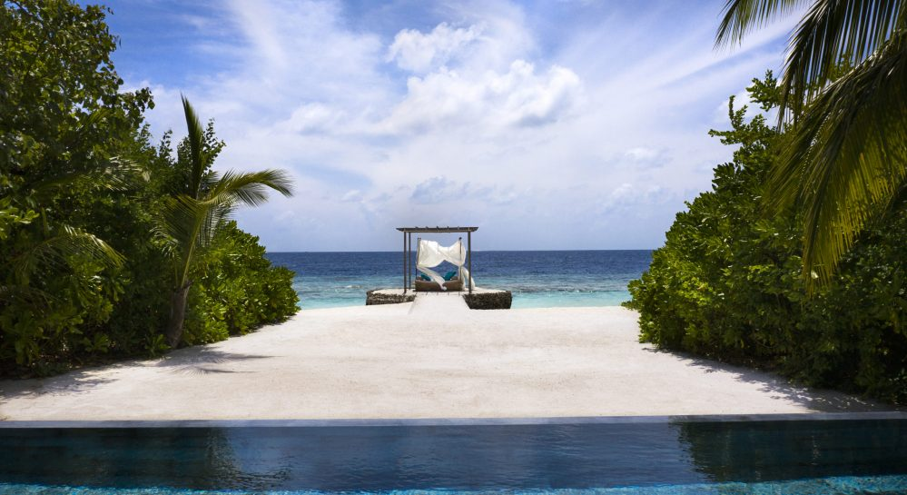 9 Huvafen Fushi Cube Exterior Pool _ Beach