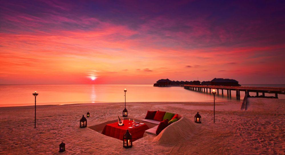 Huvafen Fushi Destination Dining Beach Dig Dinner 1