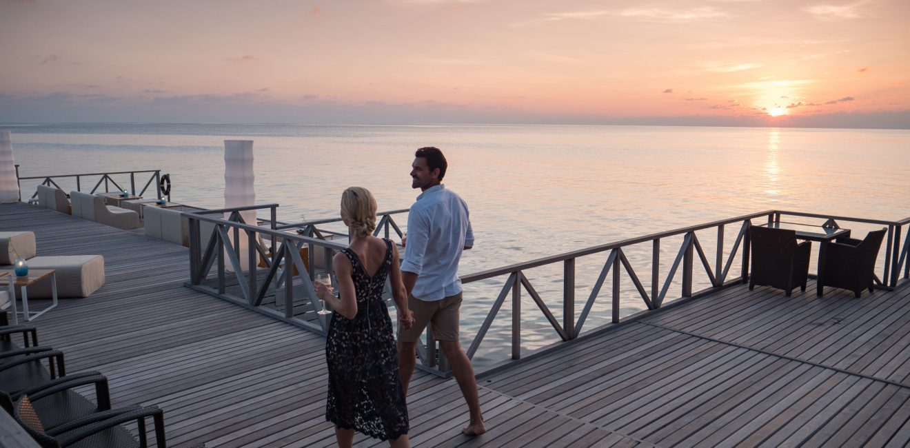 Huvafen Fushi Raw _ Feeling Koi Sunset Deck Couple