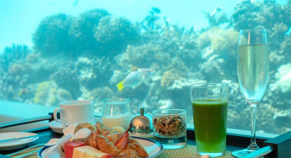 Huvafen Fushi Underwater Breakfast Bistro 2