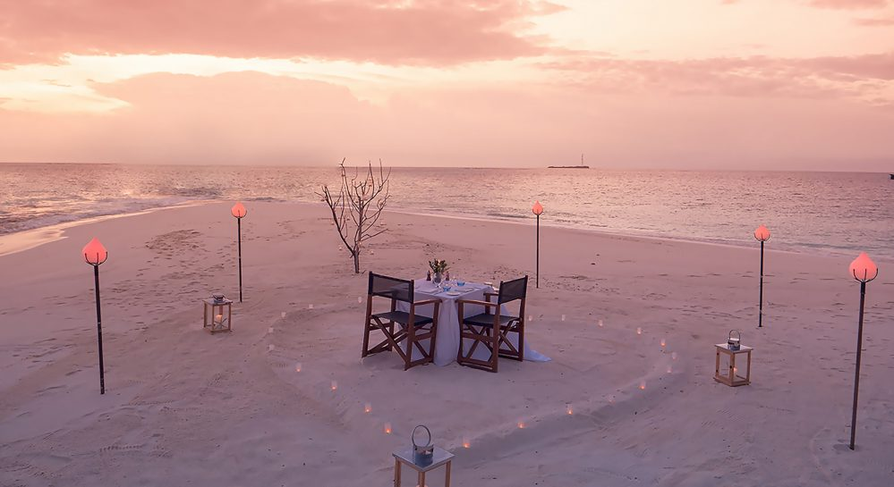 Sandbank dinner HVF_DestinationDine_Sunset2